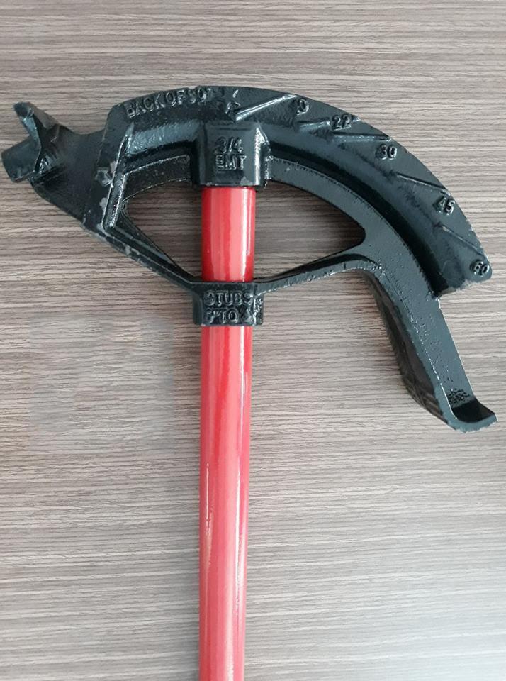 Dụng cụ bẻ ống thép luồn dây điện 2