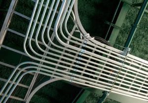 ứng dụng của ống thép luồn dây điện EMT