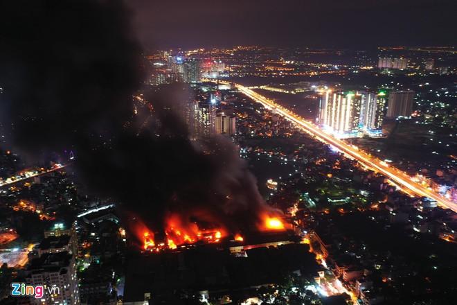 Vụ cháy nhà máy Bóng đèn phích nước Rạng Đông tại Hạ Đình -TP Hà Nội