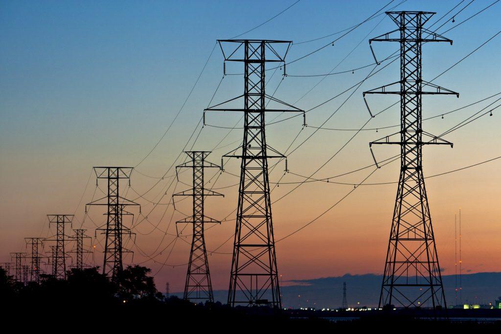 Tại sao hệ thống điện sử dụng điện xoay chiều thay vì điện một chiều 1