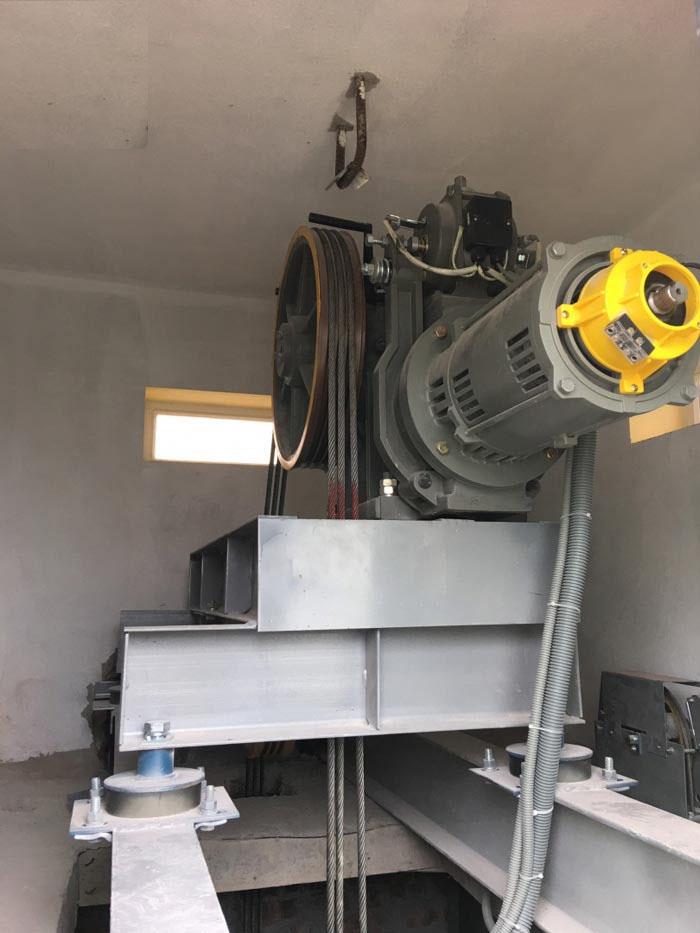 Ống ruột gà lõi thép bọc nhựa trong hệ thống thang máy